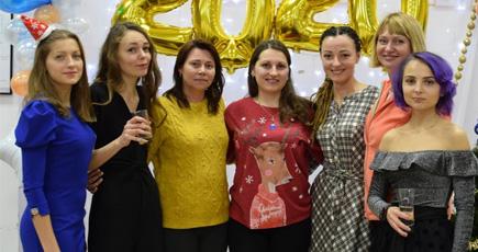 Женский коллектив Юнитех Украина